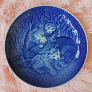 Vintage Collectable Mother's Day Plate